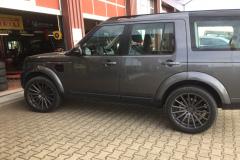 Land-Rover-mit-Vossen-1