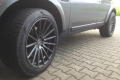 Land-Rover-mit-Vossen-grey